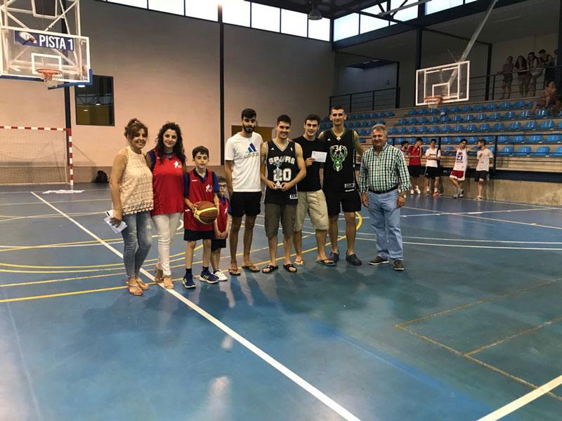 torneo-3x3-baloncesto-autoridades-familiares-y-jugadores