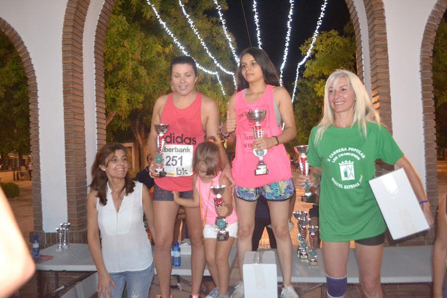 Carrera-Popular-Charcones,-ganadoras-locales-femeninas
