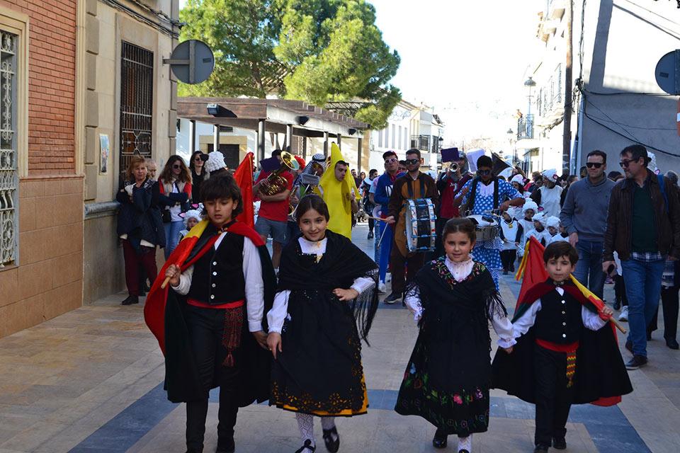 Desfile-infantil-capitanes-infantiles-en-desfile