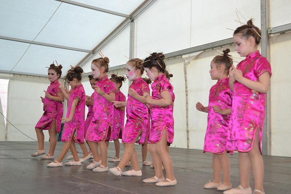 Desfile-infantil-concurso-baile-grupo-1
