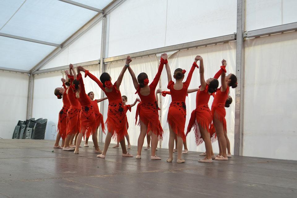 Desfile-infantil-concurso-baile-grupo-2