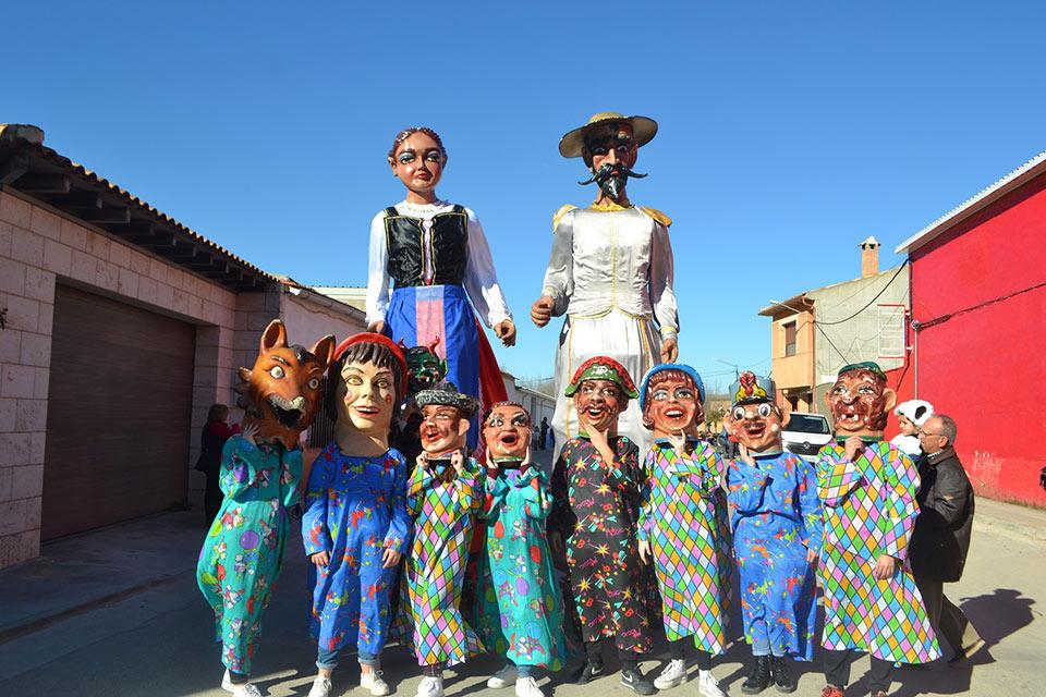 Desfile-infantil-gigantes-y-cabezudos