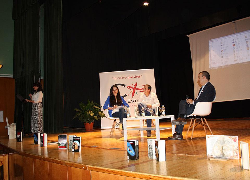 Dia-biblioteca-encuentro-literario-LorenzoSilva-2