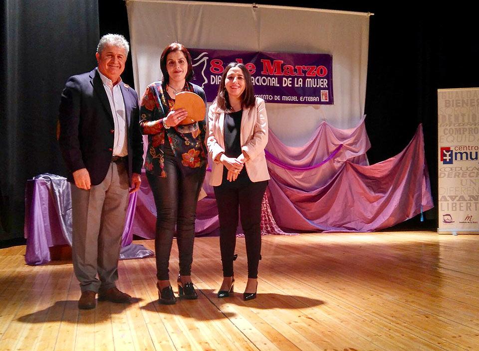 Galardones-por-la-Igualdad-premio-a-pta-AMPA-IES