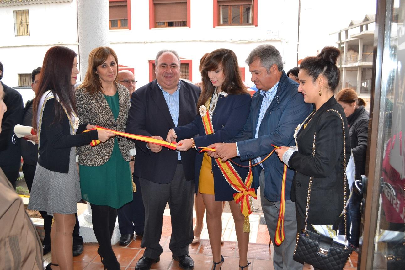 web-inauguracin-Centro-Cvico-corte-de-cinta