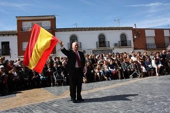 web-Jota_PUjada_capitan_con_la_bandera