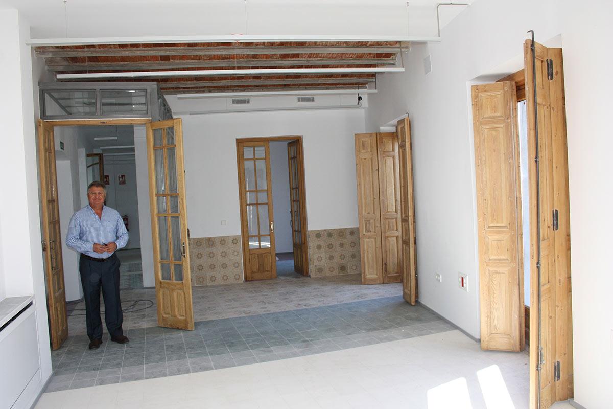 obras-Ayuntamiento-alcalde-en-despacho
