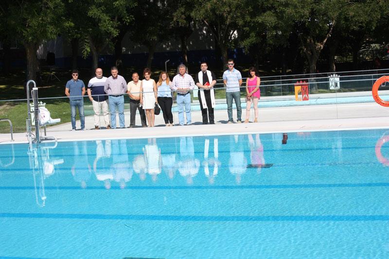 Inauguracion-remodelacion-piscina-autoridades-y-tecnicos