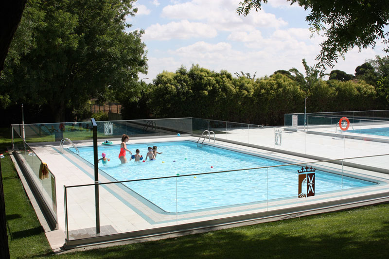 inauguracion-remodelacion-piscina-cursos-natacion-peques