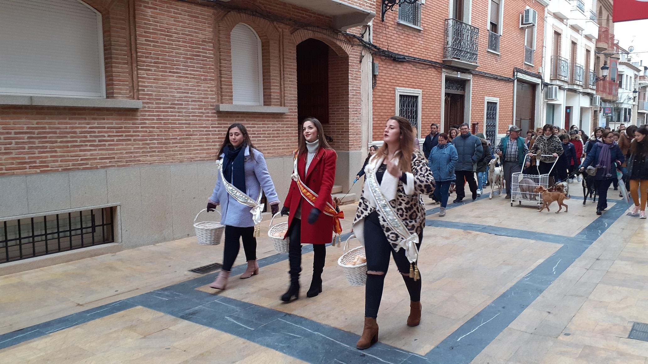 San_Antón_desfile_Reina_y_Damas